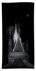 Hand Towel featuring the photograph Dark Castle by Mark Andrew Thomas
