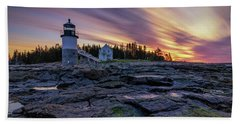 Dawn Breaking At Marshall Point Lighthouse Bath Towel