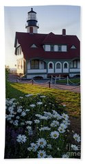 Hand Towel featuring the photograph Dawn At Portland Head Light, Cape Elizabeth, Maine  -08614 by John Bald