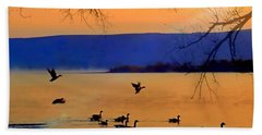 Daybreak On The Columbia River  Bath Towel by Nick Kloepping