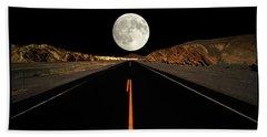 Death Valley Moon Rise Bath Towel