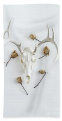 Deer Skull With Antlers And Roses Bath Towel