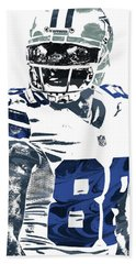 Bath Towel featuring the mixed media Dez Bryant Dallas Cowboys Pixel Art 5 by Joe Hamilton