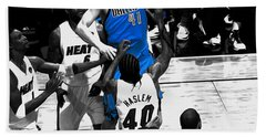 Bath Towel featuring the mixed media Dirk Nowitzki 3h by Brian Reaves