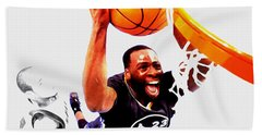 Bath Towel featuring the mixed media Draymond Green Taking Flight by Brian Reaves