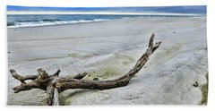 Bath Towel featuring the photograph Driftwood On The Beach by Paul Ward