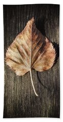 Dry Leaf On Wood Bath Towel