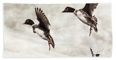 Bath Towel featuring the photograph Ducks Landing On The Lake by Peggy Collins