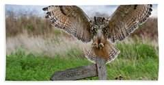 Eagle Owl On Signpost Bath Towel