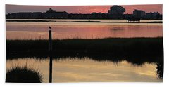 Early Light Of Day On The Bay Bath Towel by Robert Banach
