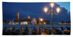 Hand Towel featuring the photograph Early Morning In Venice by Brian Jannsen
