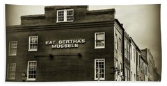 Eat Berthas Mussels In Black And White Bath Towel by Paul Ward
