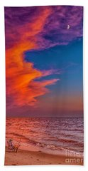 Hand Towel featuring the photograph Evening Fishing On The Beach by Nick Zelinsky