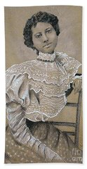 Edwardian Ebony Elegance -- Portrait Of Edwardian African-american Woman Hand Towel