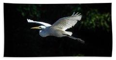 Egret In Flight Art Greenfield Lake Bath Towel