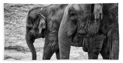 Elephants Bw Bath Towel