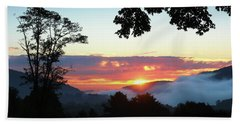 Hand Towel featuring the photograph Embracing The Dawn by Everett Houser