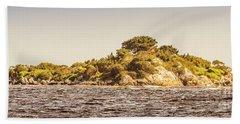 Entrance Island Lighthouse, Hells Gates Bath Towel