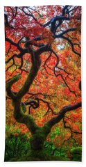 Bath Towel featuring the photograph Ethereal Tree Alive by Darren White