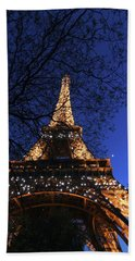Bath Towel featuring the photograph Evening At The Eiffel Tower by Heidi Hermes