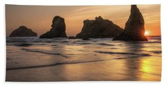 Face Rock Sunset Bath Towel