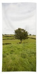 Bath Towel featuring the photograph Fairy Tree In Ireland by Ian Middleton