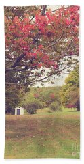 Fall Foliage And Old New England Shed Bath Towel by Edward Fielding
