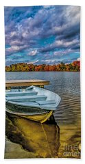 Bath Towel featuring the photograph Fall On Alloway Lake by Nick Zelinsky