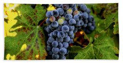 Hand Towel featuring the photograph Fall Wine Grapes by Lynn Hopwood