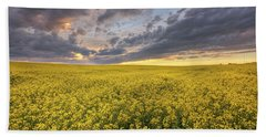 Bath Towel featuring the photograph Field Of Gold by Dan Jurak