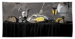 Fish Diner In Silver Bath Towel
