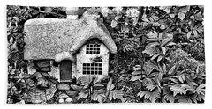 Flower Garden Cottage In Black And White Bath Towel