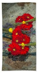 Hand Towel featuring the photograph Flowers On Rocks by Nick Zelinsky