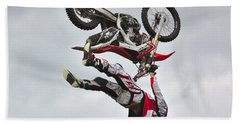 Bath Towel featuring the photograph Flying Inverted by Jeremy Hayden