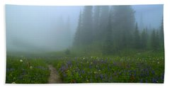 Hand Towel featuring the photograph Foggy Morning At Tipsoo by Lynn Hopwood