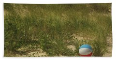 Hand Towel featuring the photograph Forgotten Beach Ball by Suzanne Powers