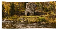 Bath Towel featuring the photograph Franconia Fall by Anthony Baatz