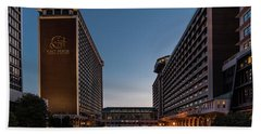 Hand Towel featuring the photograph Galt House Hotel And Suites by Randy Scherkenbach
