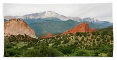 Hand Towel featuring the photograph Garden Of The Gods Back Range by Marilyn Hunt