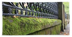 Bath Towel featuring the photograph Glasgow Moss Fencing by Mary-Lee Sanders