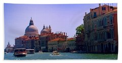 Hand Towel featuring the photograph Glorious Venice by Anne Kotan