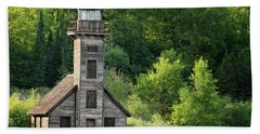 Grand Island Light House In Spring Bath Towel