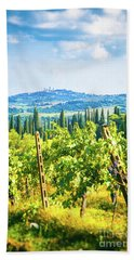 Hand Towel featuring the photograph Grapevine In San Gimignano Tuscany by Silvia Ganora