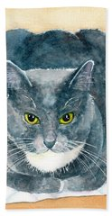 Gray And White Cat With Green Eyes Hand Towel