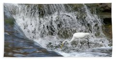 Great Egret Hunting At Waterfall - Digitalart Painting 1 Bath Towel