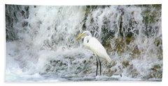 Great Egret Hunting At Waterfall - Digitalart Painting 2 Bath Towel