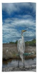 Bath Towel featuring the photograph Great Egret by Judy Hall-Folde
