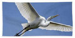 Great Egret Soaring Hand Towel