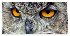 Great Horned Owl Closeup Bath Towel by Jim Fitzpatrick