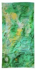 Green And Gold Abstract Bath Towel